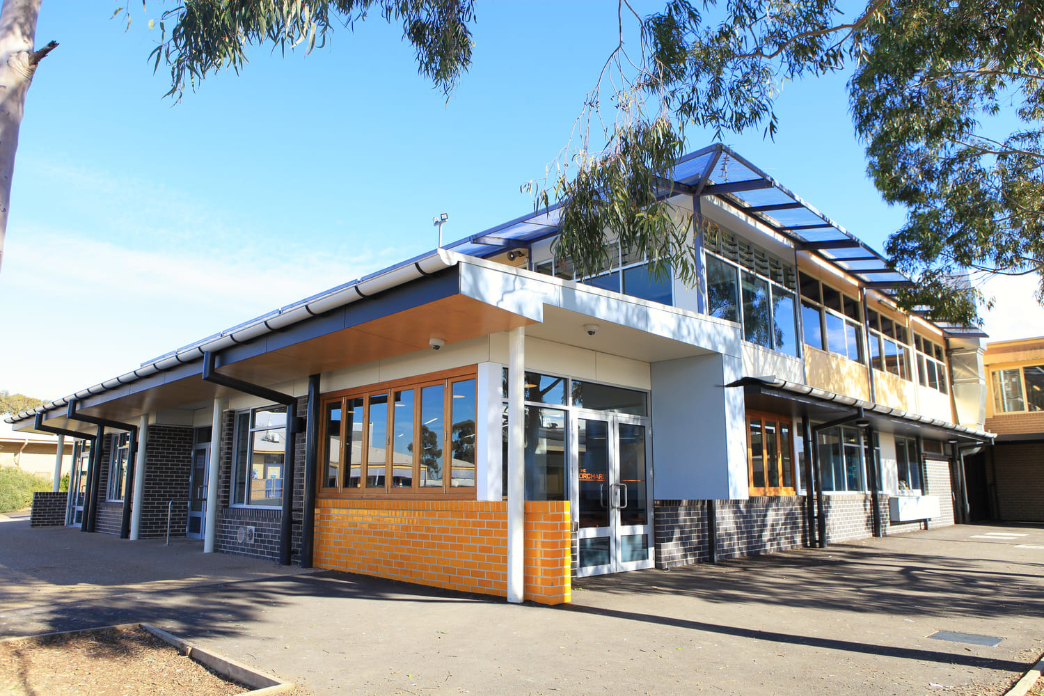 2Construct - Wantirna College 01
