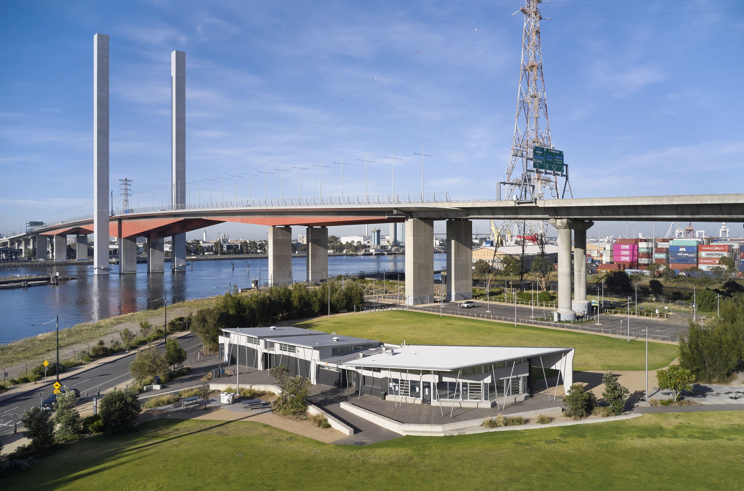 2Construct - Docklands Pavilion 01