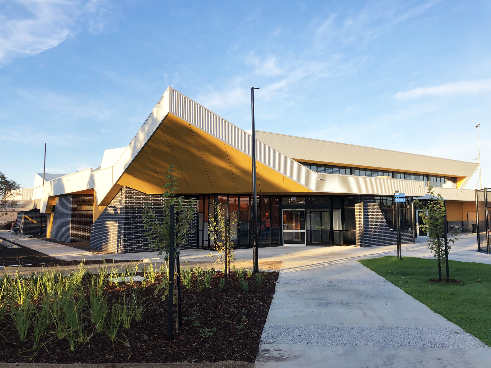 2Construct - Caroline Springs Leisure Centre 01