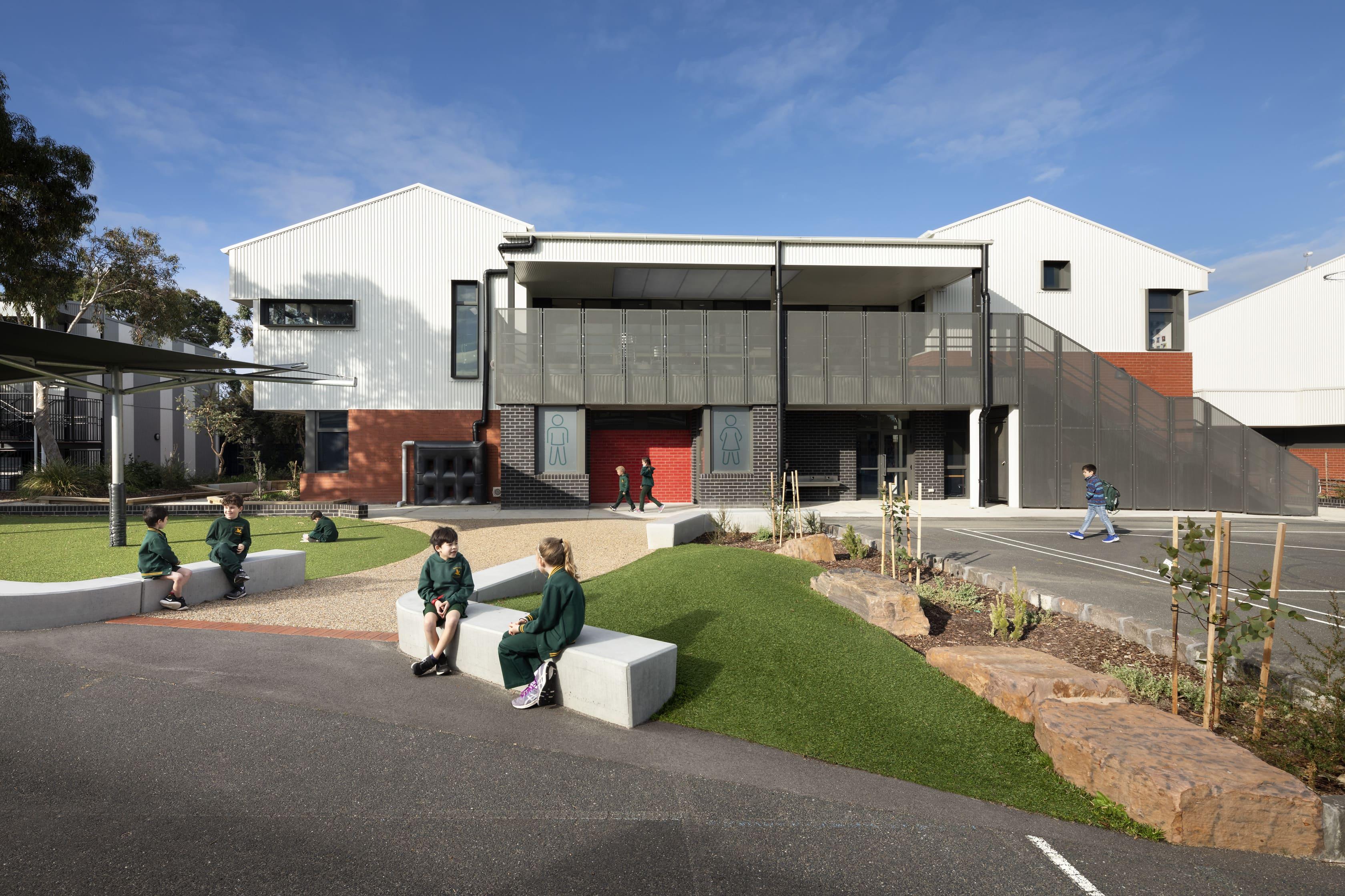 2Construct - Sandringham Primary School 01