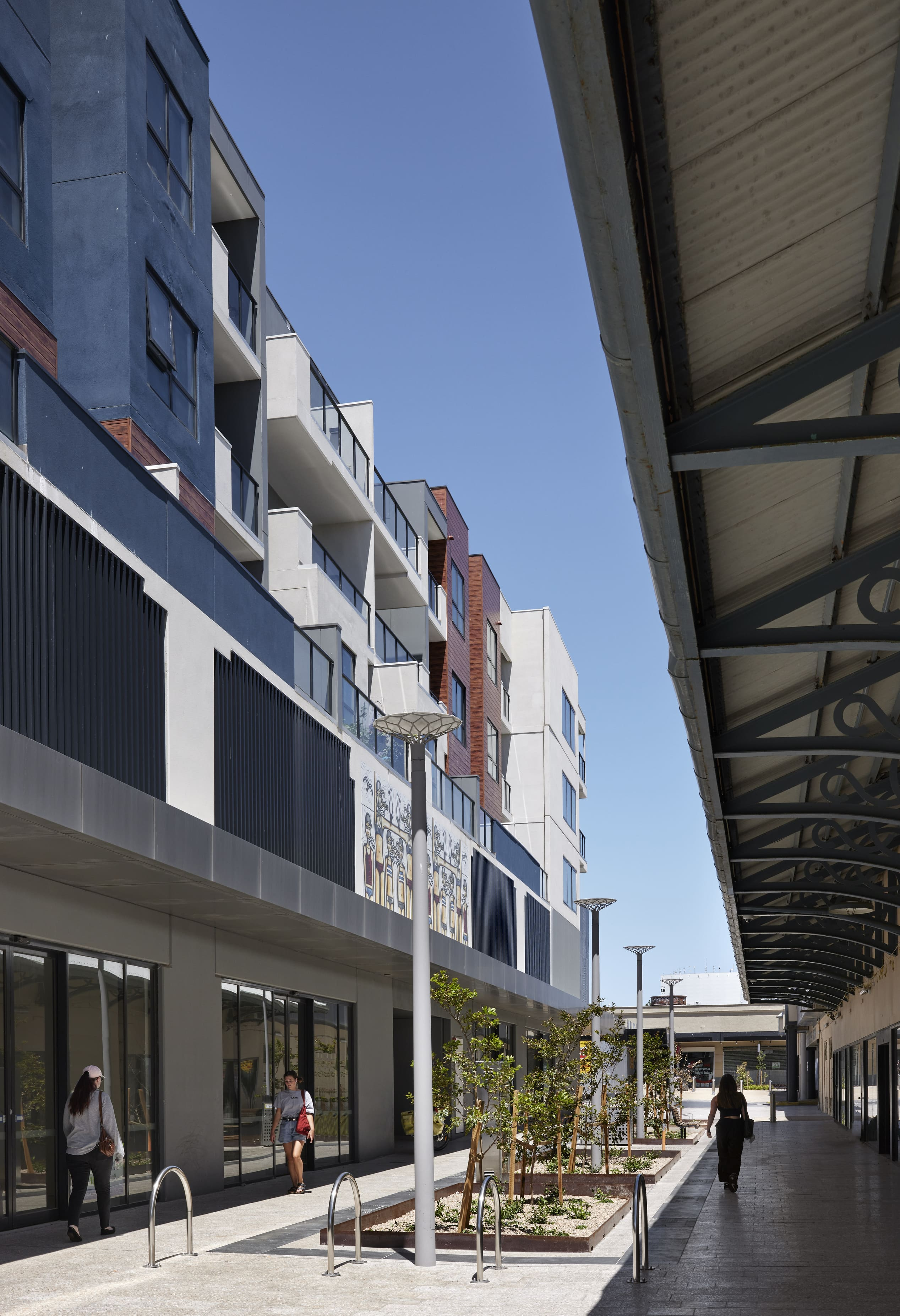2Construct - Clyde Street Frankston Mall 01